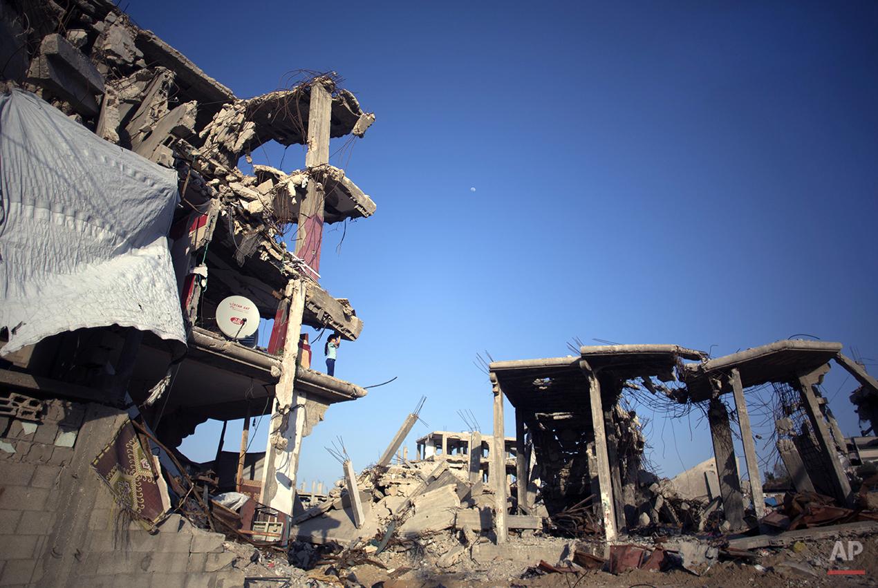 Mideast Gaza Returning Home