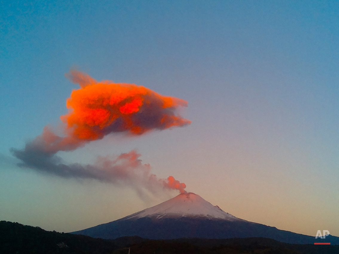 APTOPIX Mexico Popocatepetl Volcano