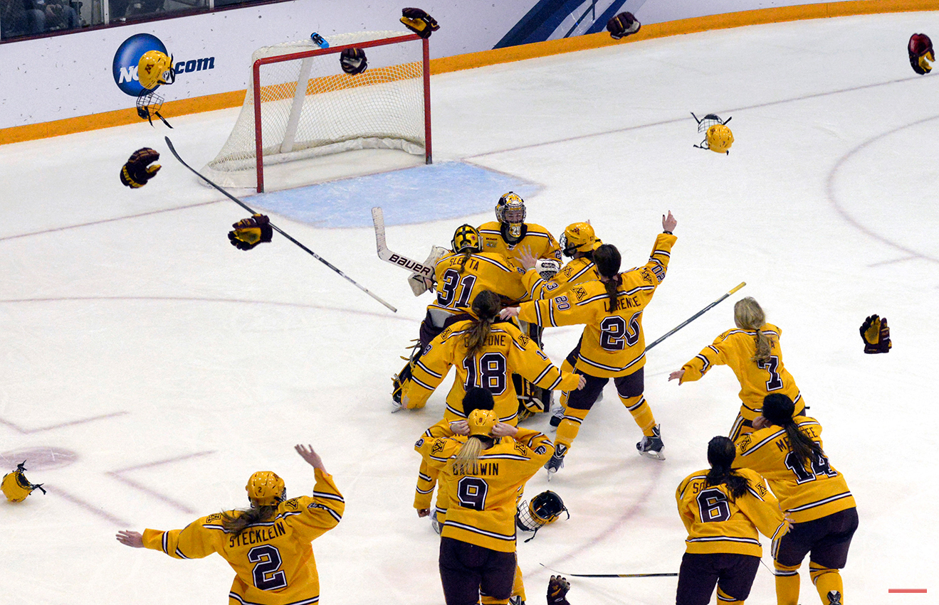 APTOPIX NCAA Harvard Minnesota Hockey
