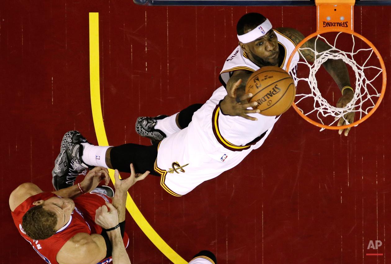 APTOPIX Clippers Cavaliers Basketball
