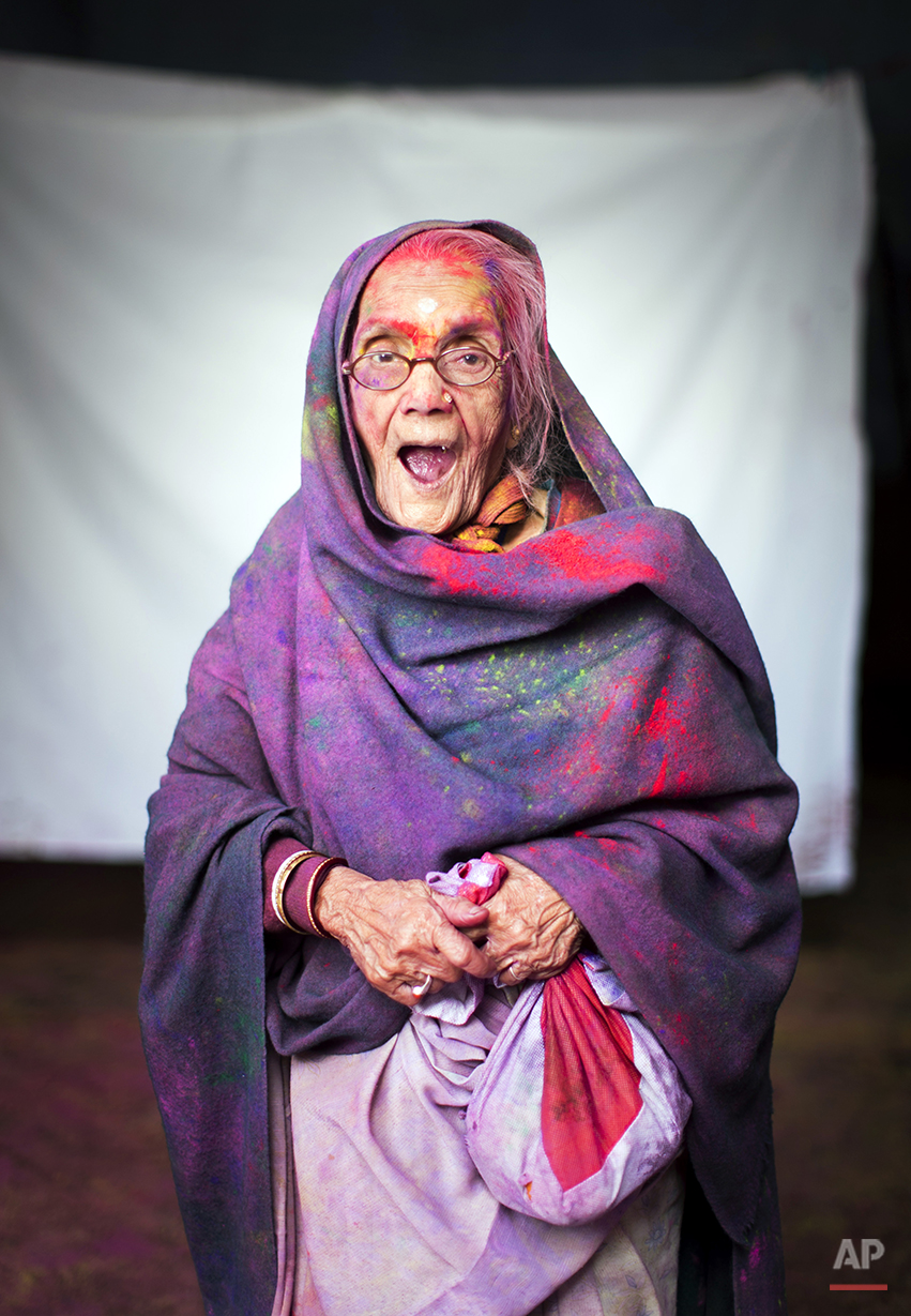 APTOPIX India Widows and Colors Photos Gallery
