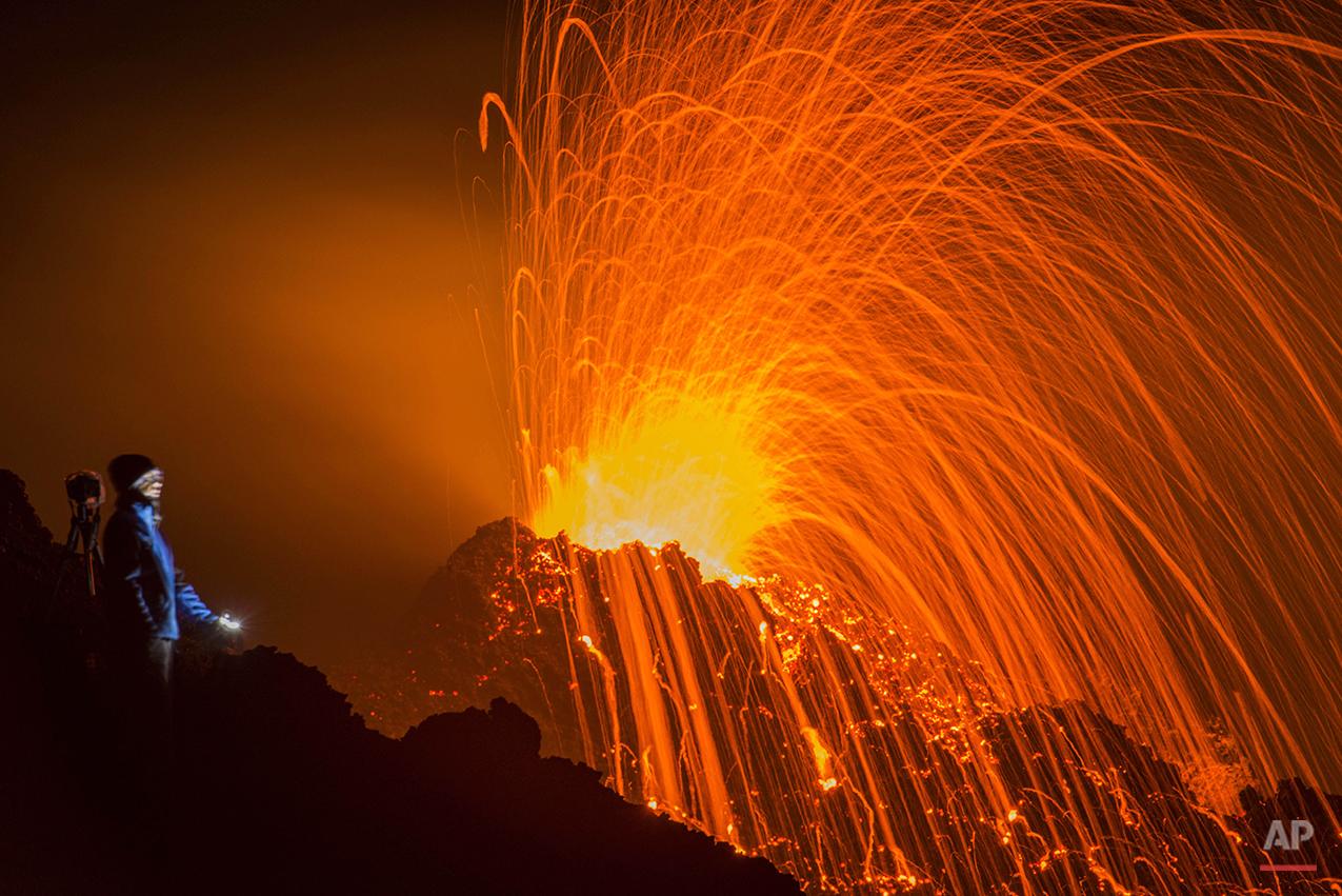 APTOPIX France La Reunion Volcano