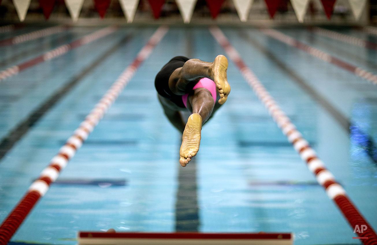 APTOPIX Phelps Comeback Swimming
