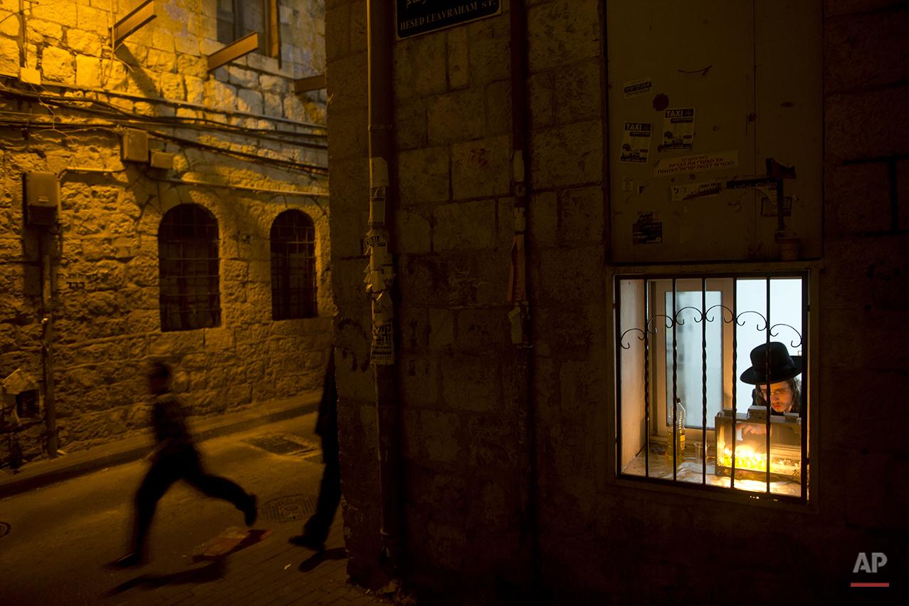 APTOPIX Mideast Israel Hanukkah