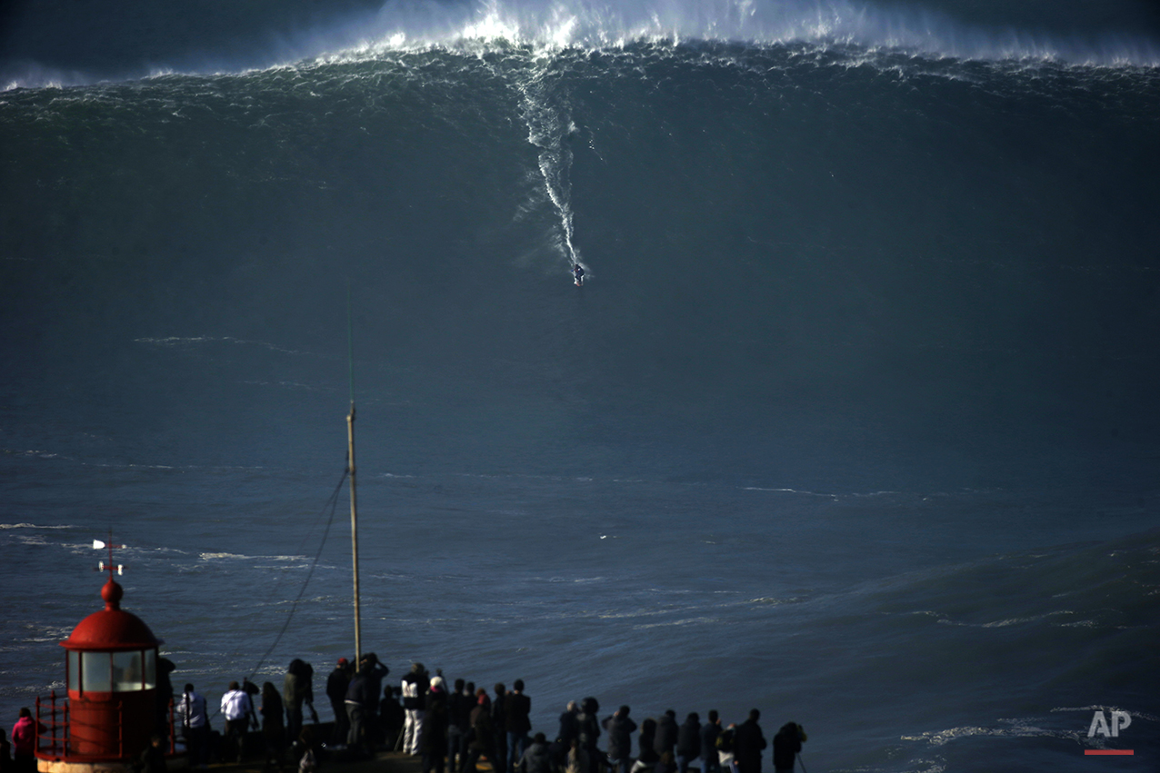 APTOPIX Portugal Surf