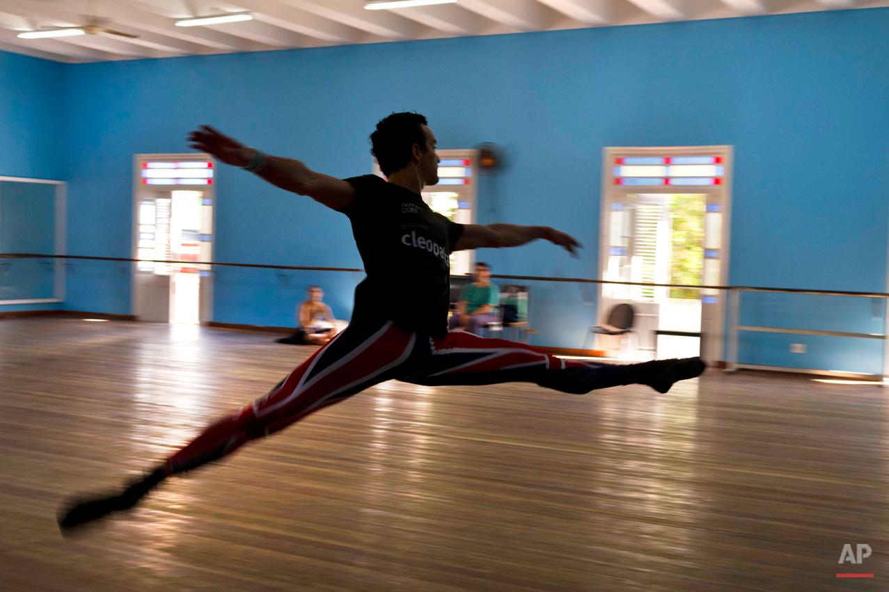 APTOPIX Cuba Ballet
