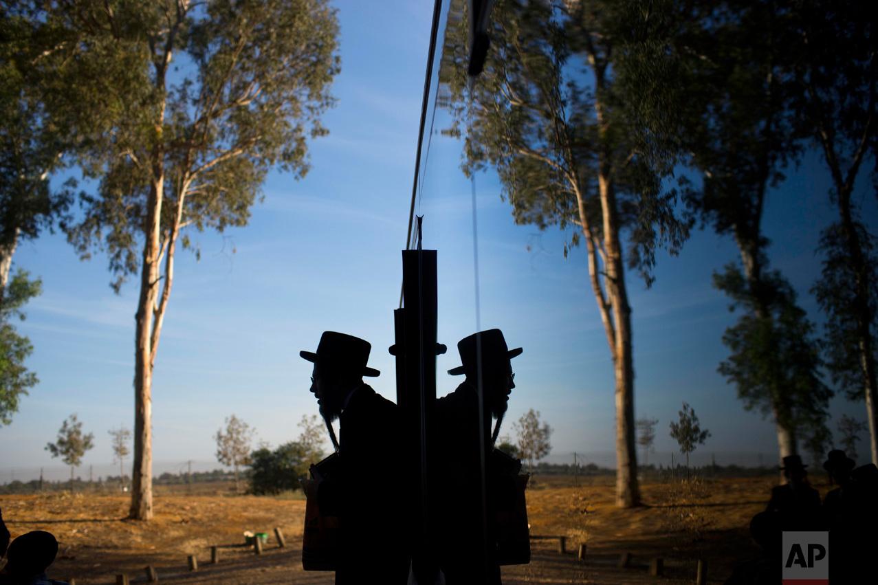 Mideast Israel Yom Kippur Tashlich