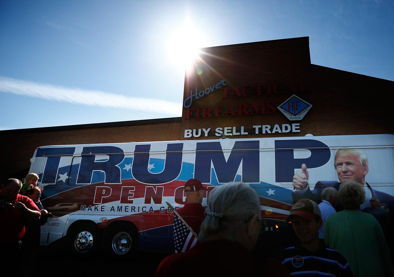 Trump Bus Alabama