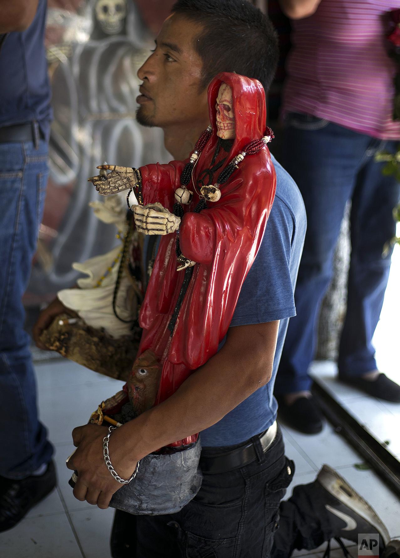 Death Saint draws followers in Mexico — AP Images Spotlight