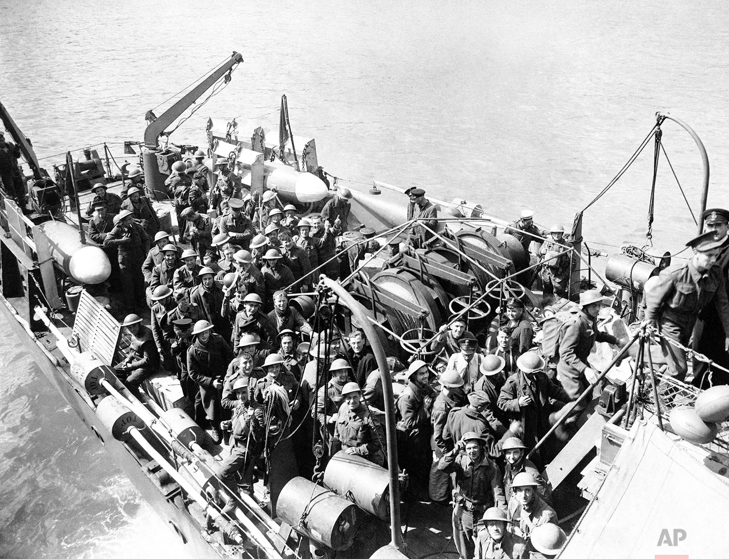Troops of the British Expeditionary Force landing at an English port on May 31, 1940. (AP Photo)