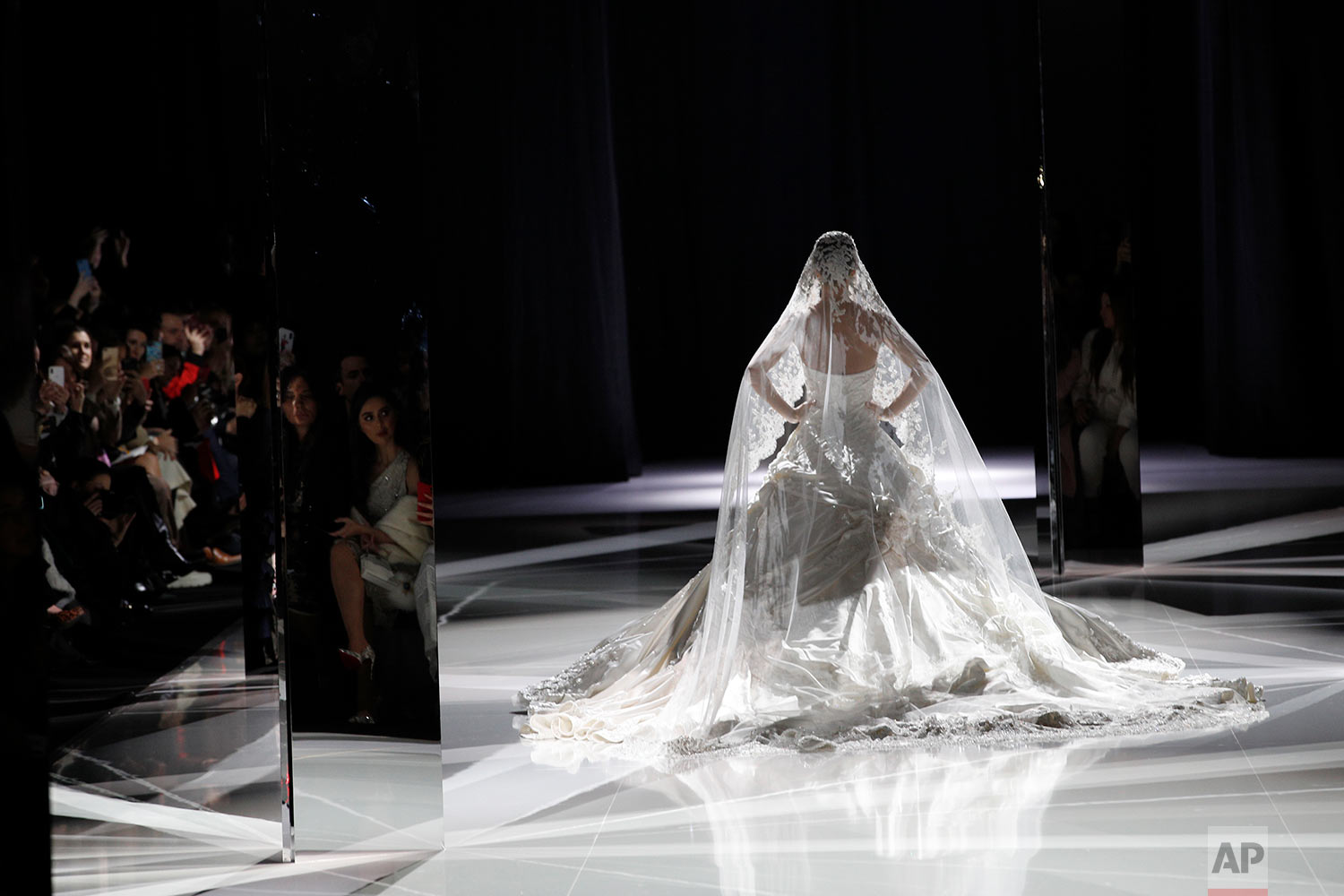 Paris Fashion Ralph and Russo