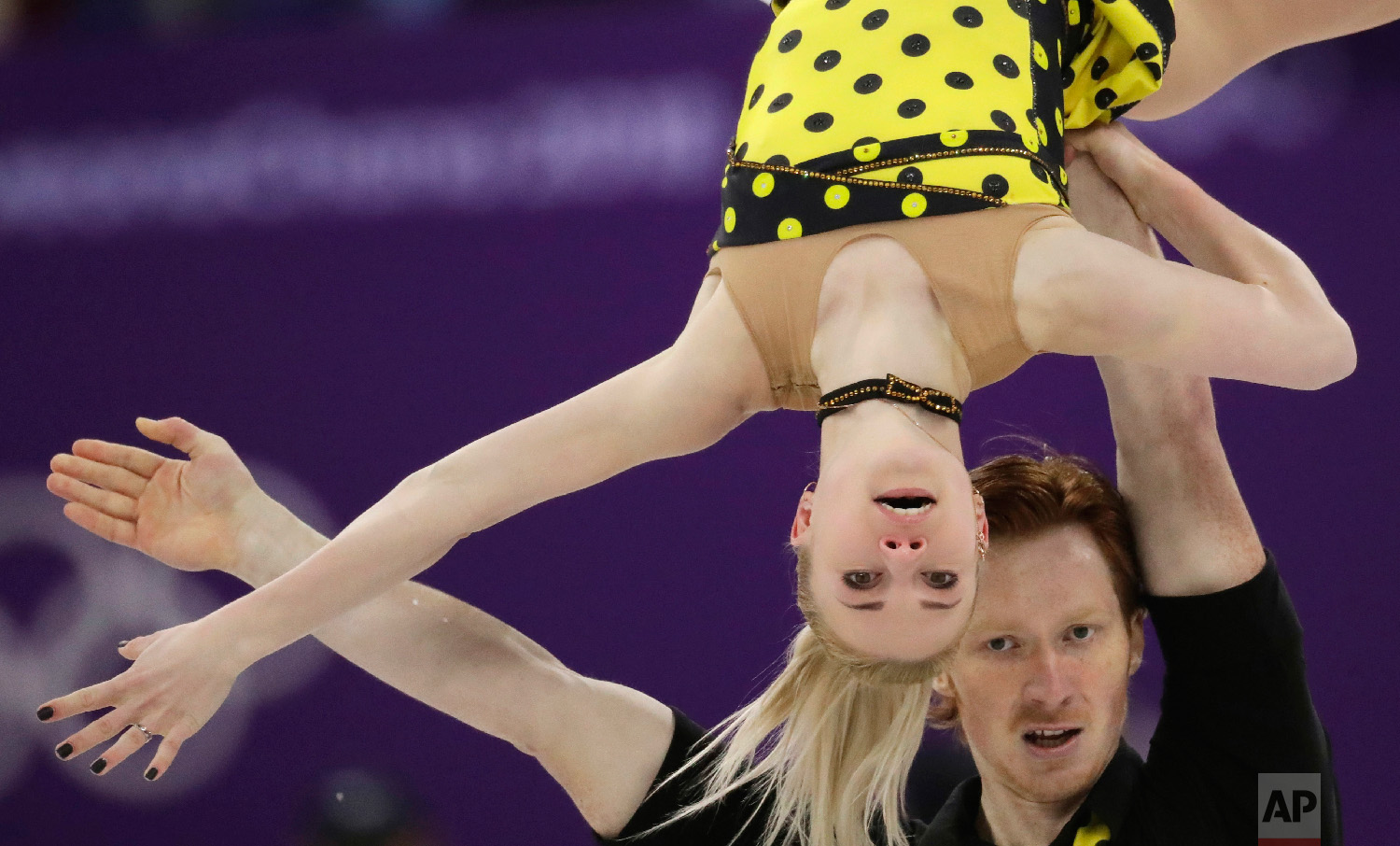 Russian skaters Evgenia Tarasova and Vladimir Morozov perform in the pairs free skate figure skating final in the Gangneung Ice Arena at the 2018 Winter Olympics in Gangneung, South Korea, Thursday, Feb. 15, 2018. (AP Photo/Bernat Armangue)