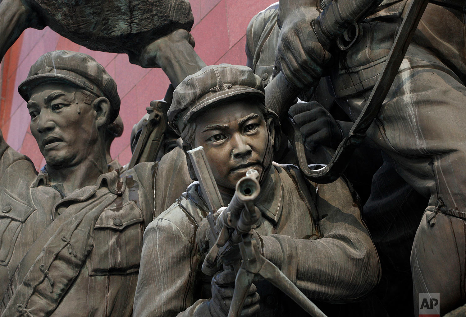 A statue of Korean soldiers stands in central Pyongyang, North Korea, on Feb. 26, 2008. (AP Photo/David Guttenfelder)