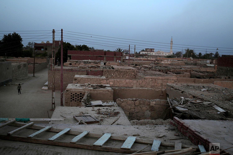 "A general view of the ""tahgeer"" Eneiba village, northern Aswan, Egypt. (AP Photo/Nariman El-Mofty)"