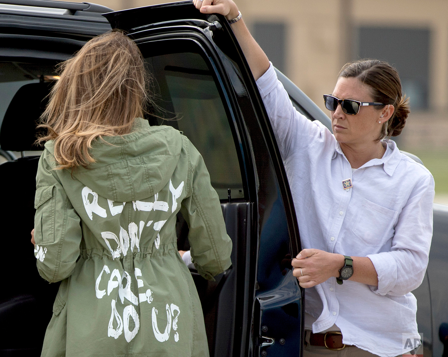 First lady Melania Trump walks to her vehicle as she arrives at Andrews Air Force Base, Md., Thursday, June 21, 2018, after visiting the Upbring New Hope Children Center run by the Lutheran Social Services of the South in McAllen, Texas. (AP Photo/Andrew Harnik)