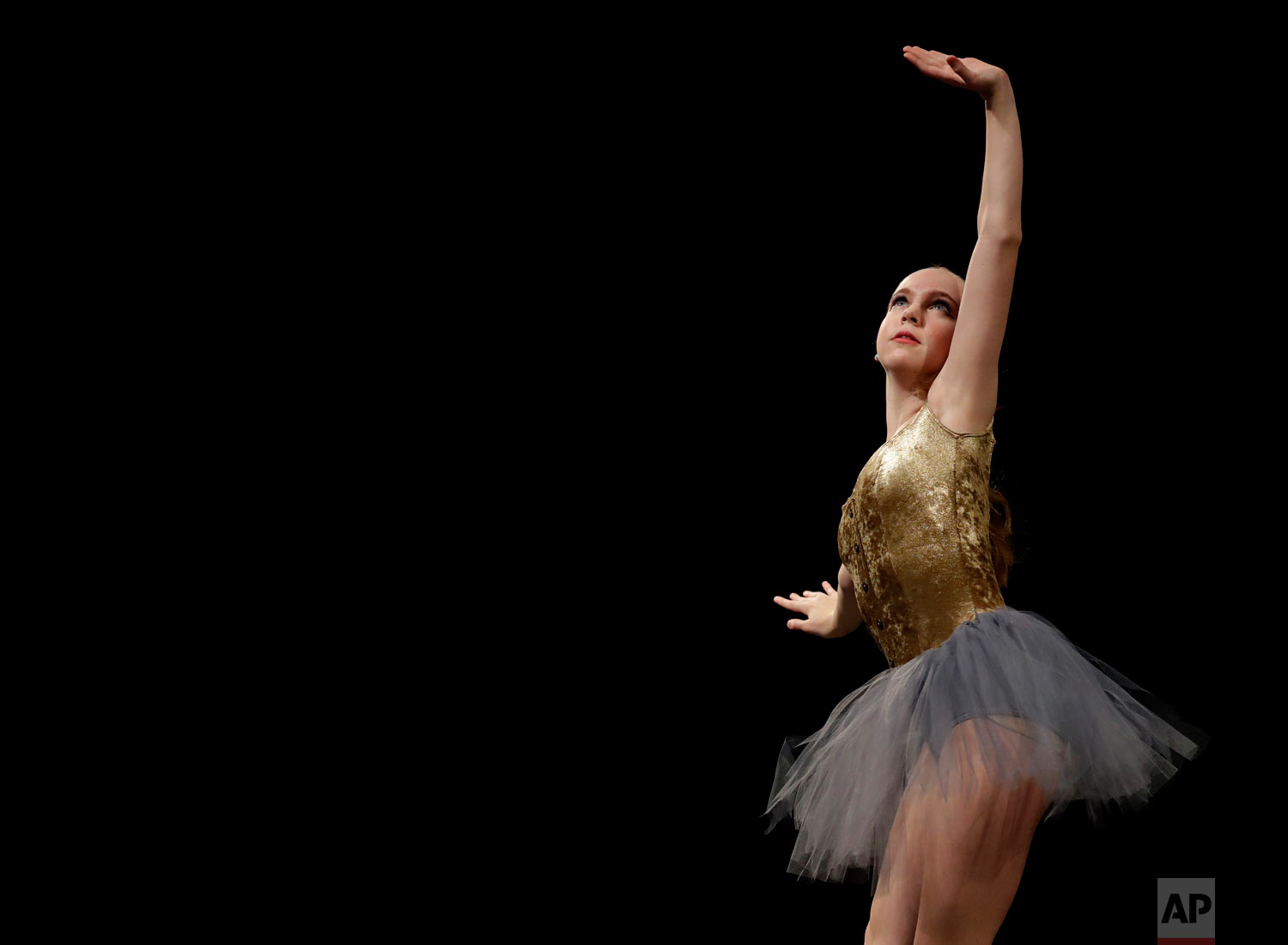 Tess Meulbroek performs in the Youth America Grand Prix North America regional semi-finals in River Forest, Ill. (AP Photo/Nam Y. Huh)