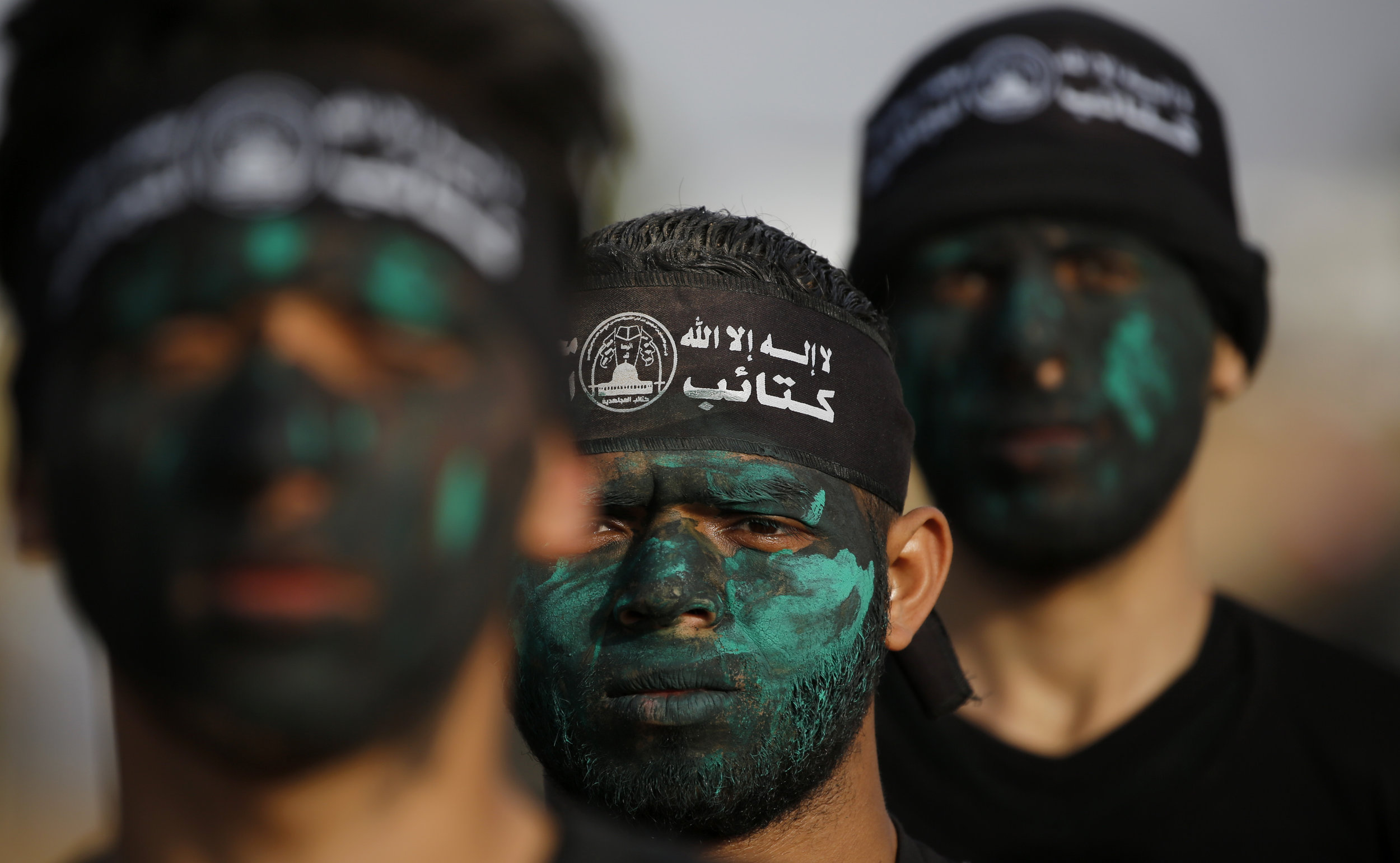 Palestinian militants from Mujahideen Brigades, a small military group in Gaza, participate in a training session in Gaza City, Wednesday, April 24, 2019. (AP Photo/Hatem Moussa)