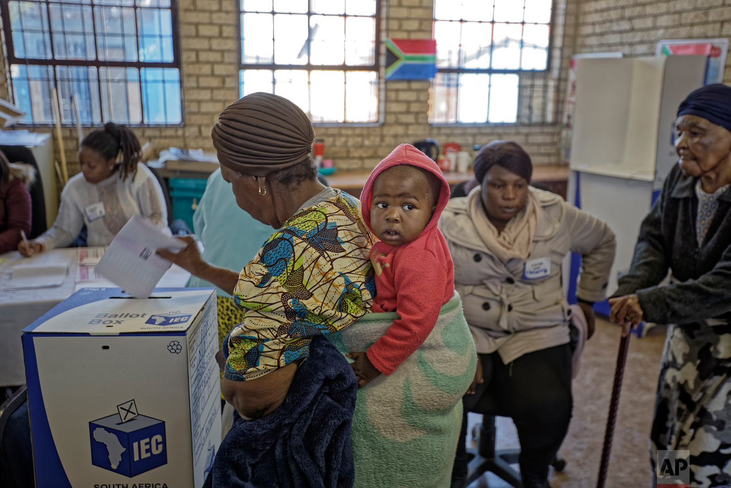 South Africans cast their votes at the Hitekani Primary School in Soweto, Johannesburg, South Africa, May 8, 2019. (AP Photo/Ben Curtis)