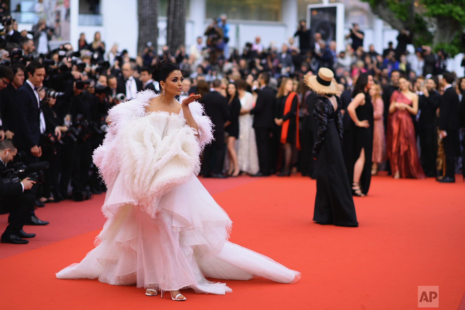 Actress Aishwarya Rai Bachchan poses for photographers upon arrival at the premiere of the film 'La Belle Epoque' at the 72nd international film festival, Cannes, southern France, May 20, 2019. (Photo by Arthur Mola/Invision/AP)