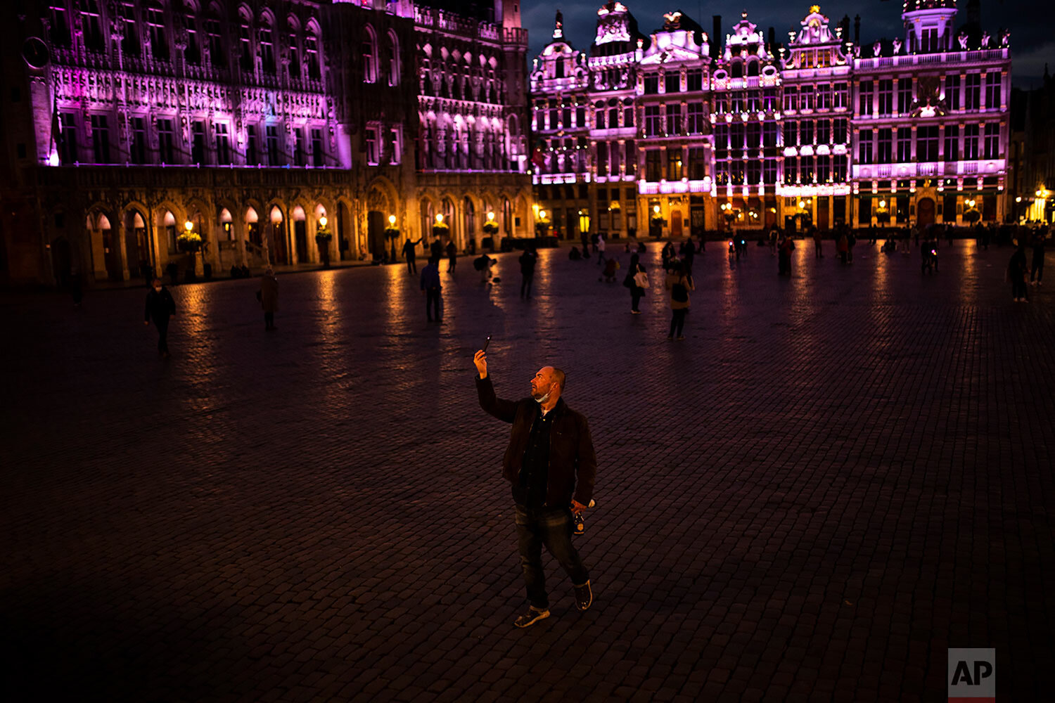 Virus makes Friday nights empty, quiet in Europe