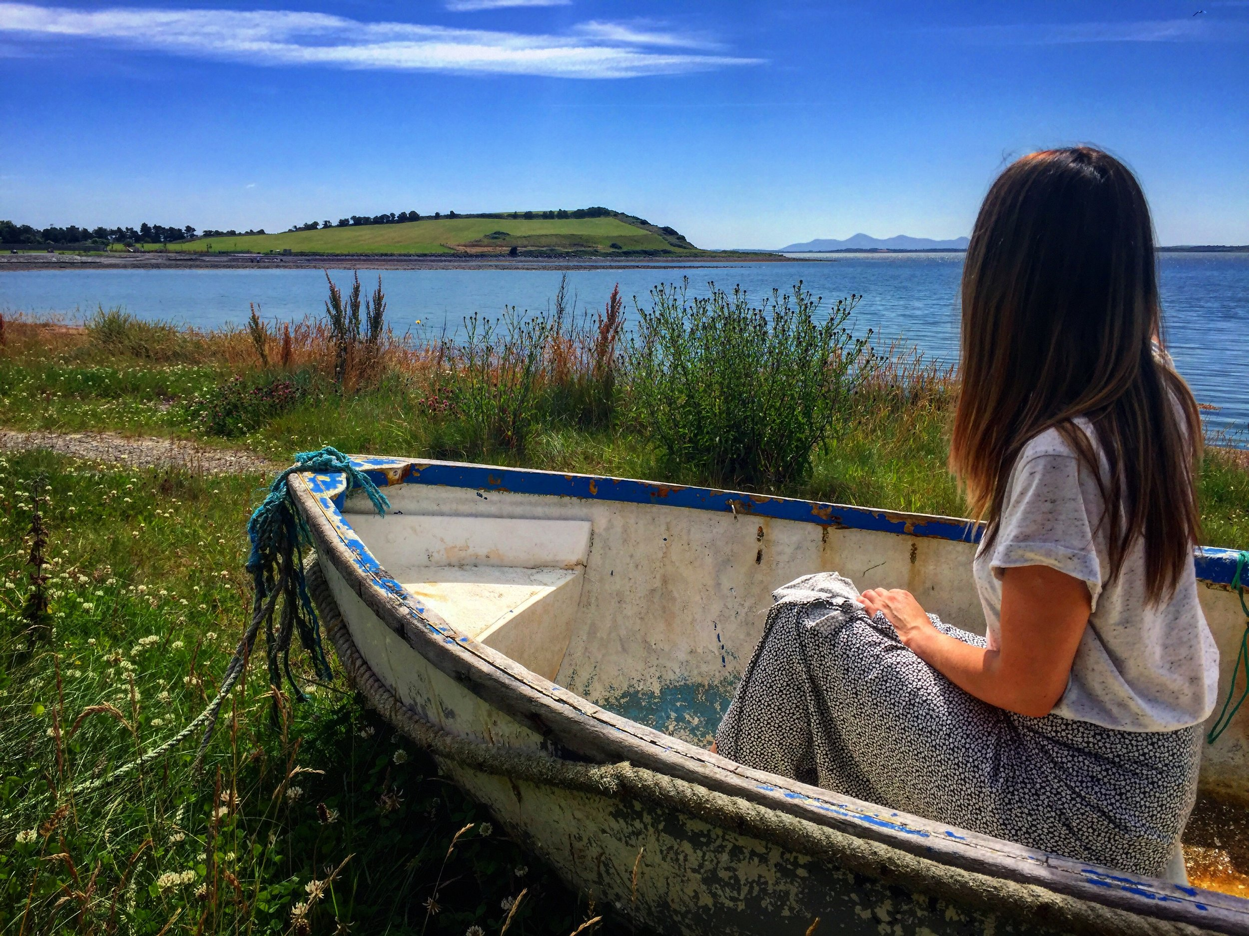 boat_girl_kircubbin_blue_sky_sea_strangford_lough_Ards_peninsula_ni_explorer_niexplorer_northern_ireland_blog.jpg