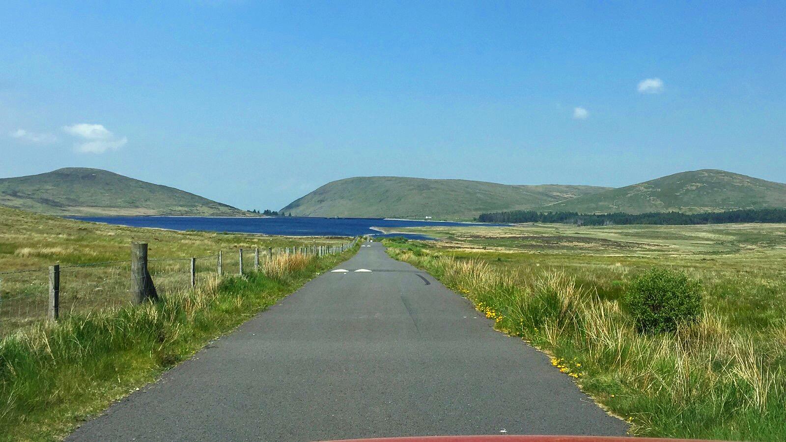 bluesky_panoramic_spelga_damn_mourne_mountains_ni_explorer_niexplorer_northern_ireland_blog.jpg