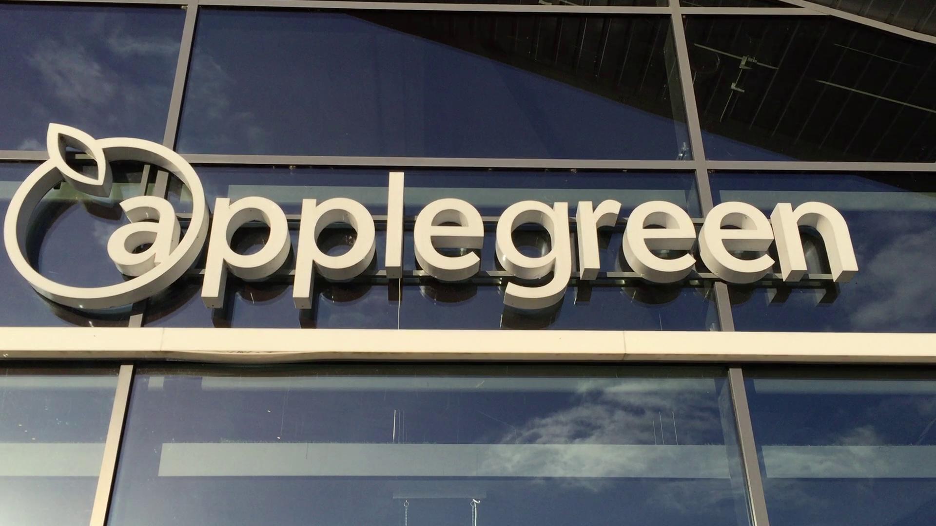 applegreen_service_station_m2