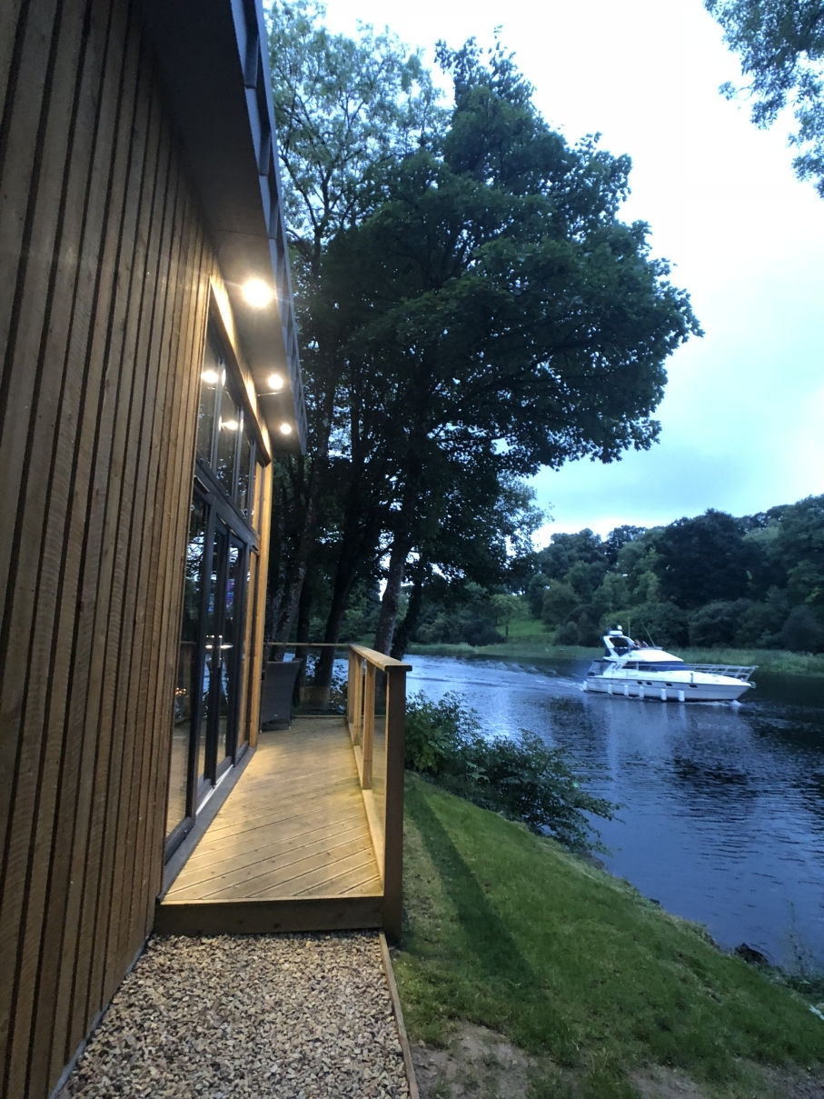 killyhevlin-lakeside-lodge-fermanagh-erne-ni-explorer (4).jpg