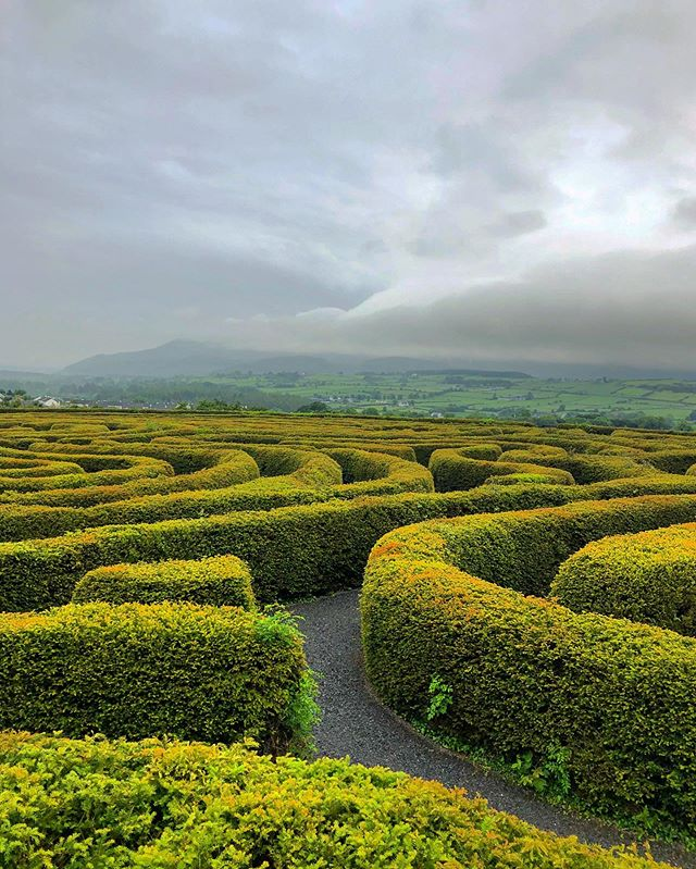 Moody much? Normally #TheMournes are where that big cloud is. Weather looks to be a-maze-ing tomorrow afternoon though! 😎 🔻 #NIEXPLORER #castlewellan #countydown #mournes #mournemountains #northernireland #weekend #weekendplans #mountains #maze #peacemaze