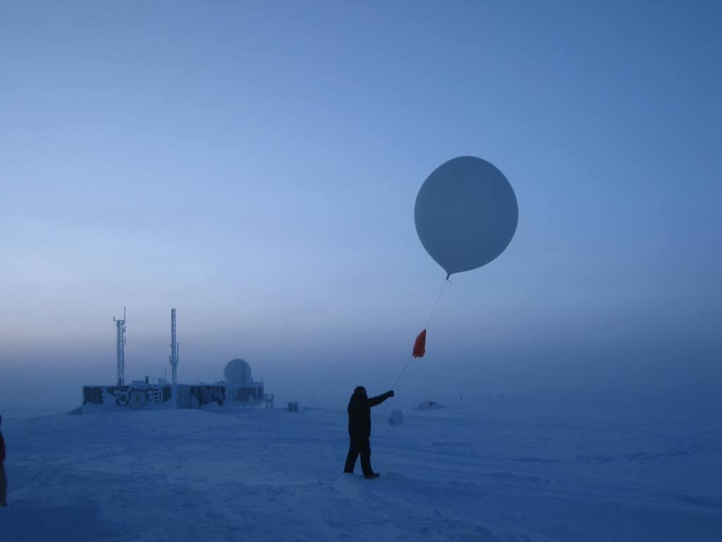 glenn-launching-balloon_small.jpg