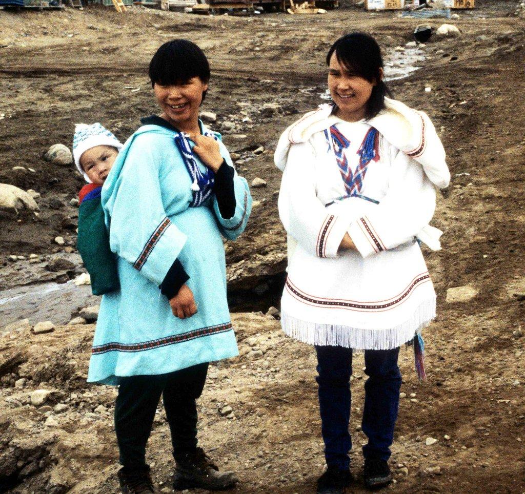 Inuit_Amautiq_1995-06-151.jpg