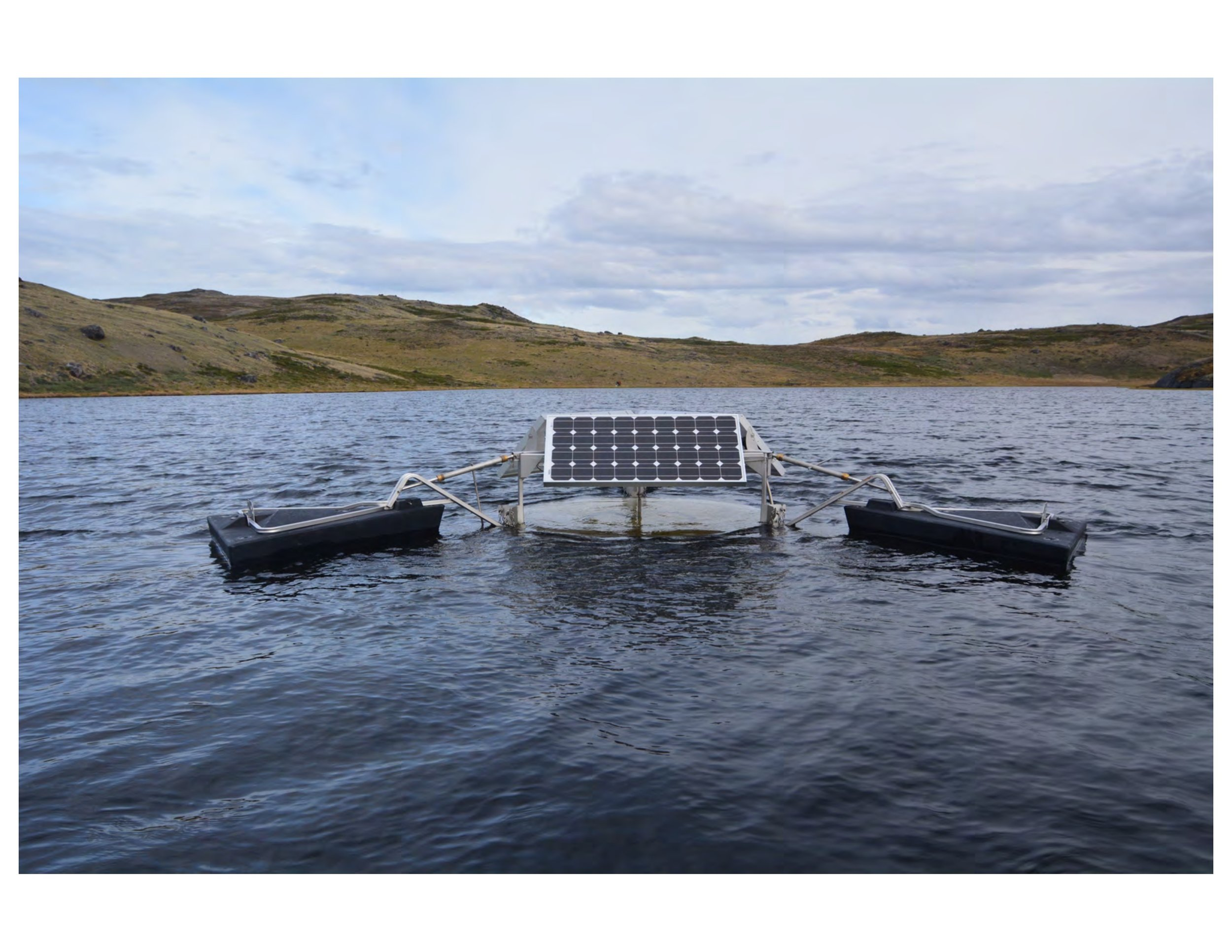 The SolarBee in an unspecified Greenland lake. The instrument mixes layers within the water, among other things. All pictures courtesy Jasmine Soros