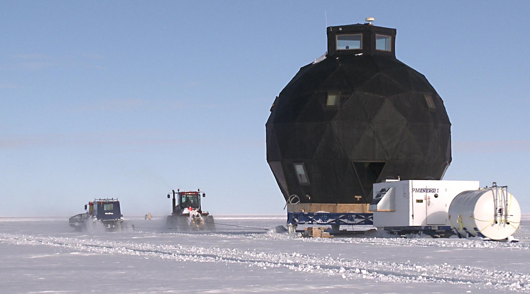 EGRIP-Dome_over_ice.jpg