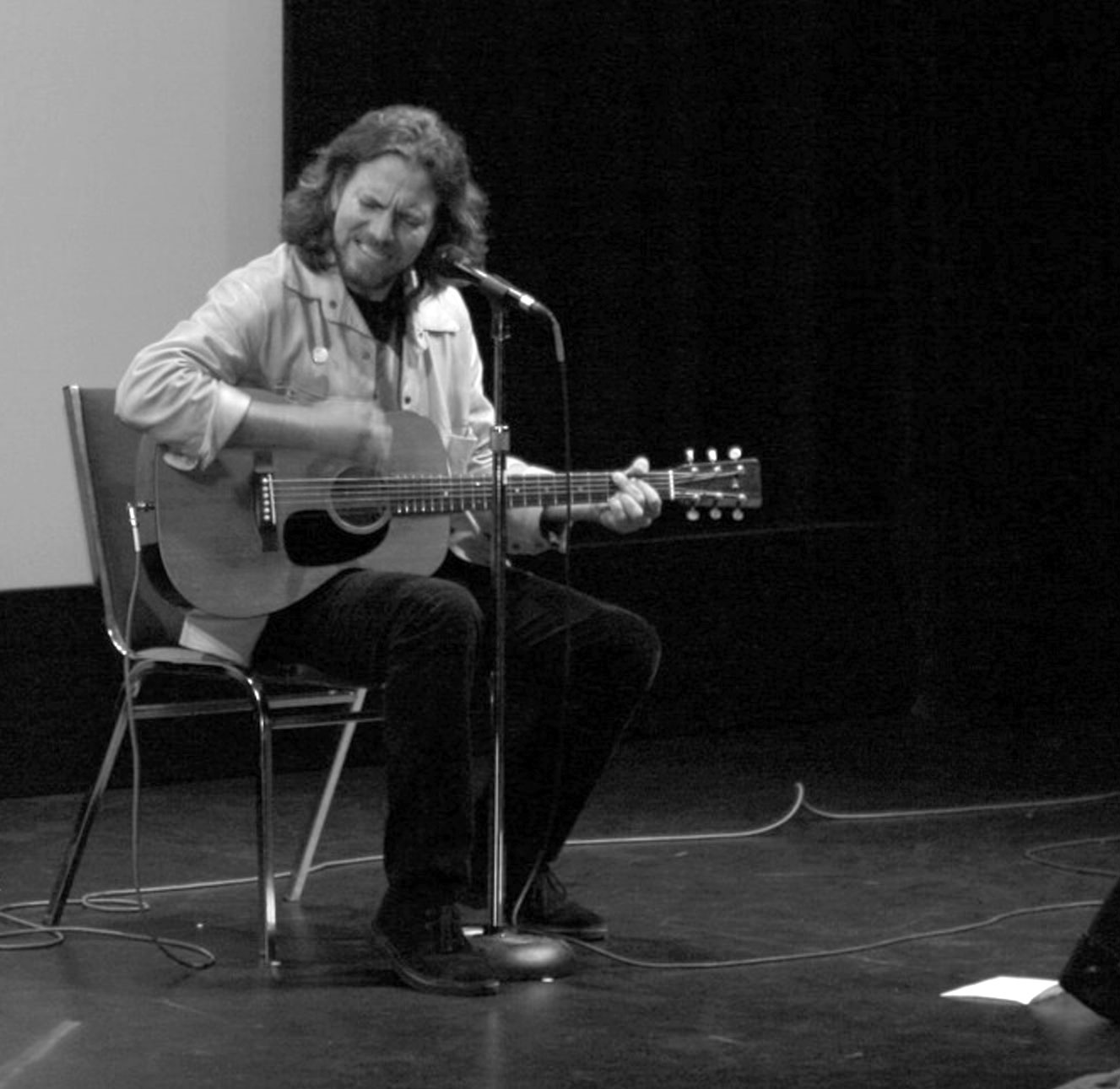 Eddie Vedder performing at the Toronto Int'l Film Festival