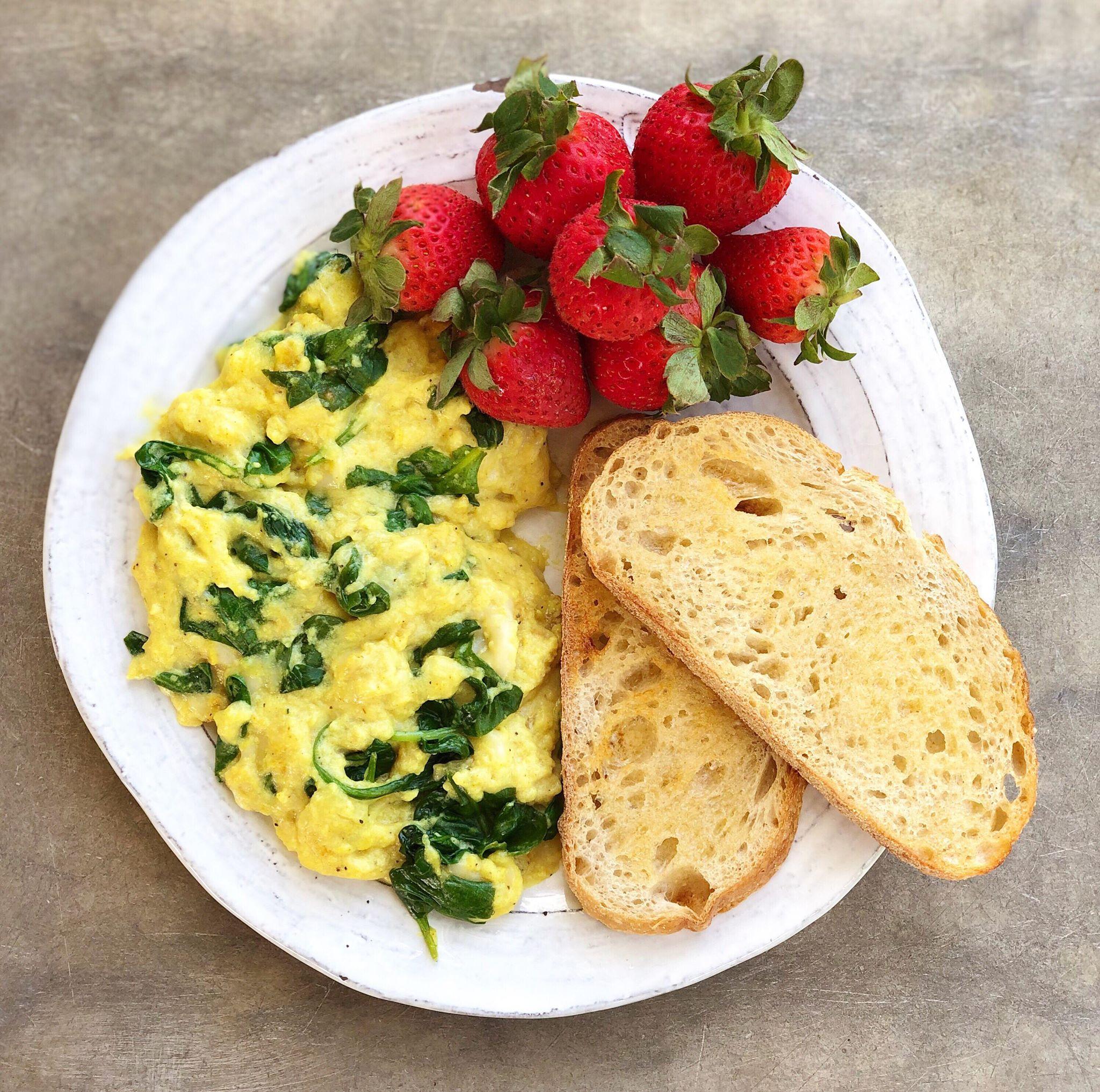 Tofu_scramble_omelette_batter.jpg