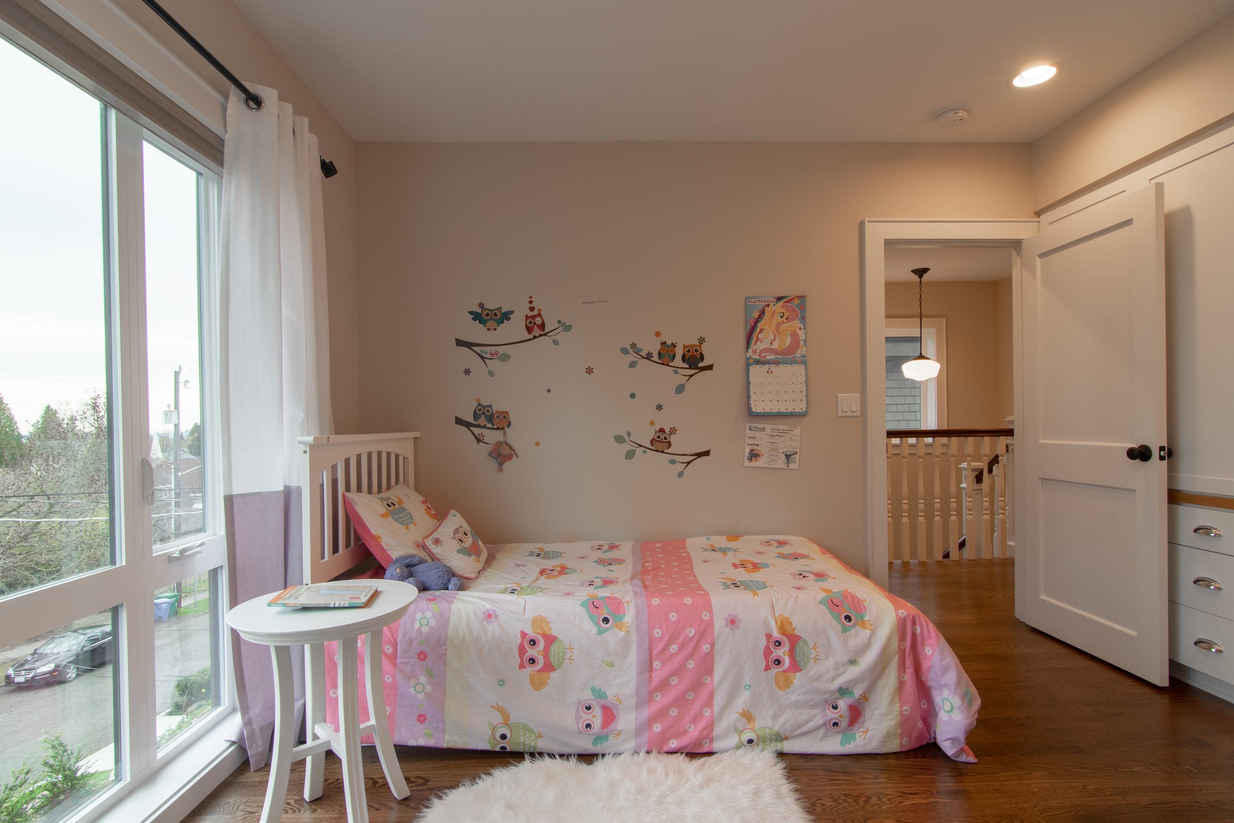 15 - Queen Anne Victorian kids bedroom.jpg