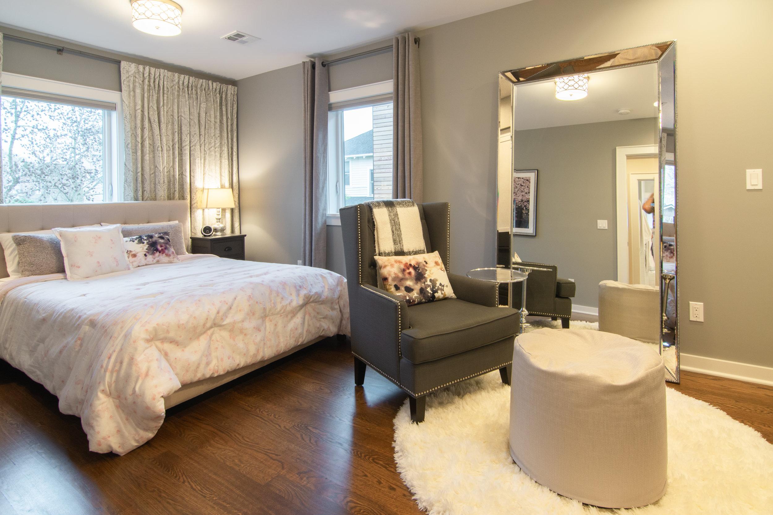 20 - Queen Anne Victorian master bedroom.jpg