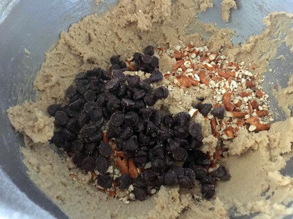 Salted Pretzel Chocolate Chip Cookie Dough Batter