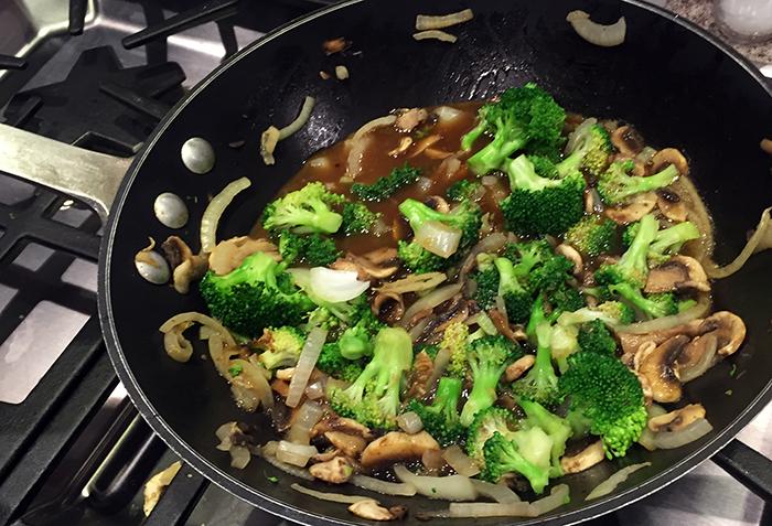 Chicken Broccoli and Mushroom Stir Fry