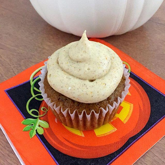 Pumpkin Cupcakes for Fall. . . . . . #liveauthentic #foodbeast #eeeeeats #eatfamous #feedfeed #dailyfoodfeed #onthetable #lifeandthyme #f52grams #tastingtable #huffposttaste #heresmyfood #buzzfeast #eattheworld #eater #rslove #foodandwine #foodblogfeed #beautifulcuisines #tastemade #tasty #yummy #pumpkin #fall #pumpkincupcakes #cupcake #dessert #delicious #foodporn #baking