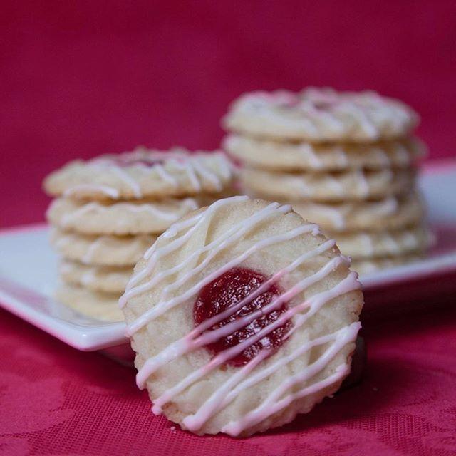 Raspberry Almond Thumbprint Cookies . . . . . #liveauthentic #foodbeast #eeeeeats #eatfamous #feedfeed #dailyfoodfeed #onthetable #lifeandthyme #f52grams #tastingtable #huffposttaste #heresmyfood #buzzfeast #eattheworld #eater #rslove #foodandwine #foodblogfeed #beautifulcuisines #tastemade #yum #homemade #cookie #cookies #thumbprint #raspberry #tasty #dessert #foodporn #baking