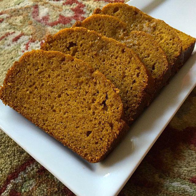 """Just Cooked"" Pumpkin Bread . . . . . #liveauthentic #foodbeast #eeeeeats #eatfamous #feedfeed #dailyfoodfeed #onthetable #lifeandthyme #f52grams #tastingtable #huffposttaste #heresmyfood #buzzfeast #eattheworld #eater #rslove #foodandwine #foodblogfeed #beautifulcuisines #tastemade #pumpkinbread #pumpkin #fall #bread #dessert #thanksgiving #homemade #yum #tasty #baking"