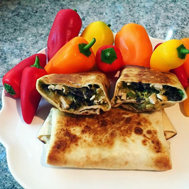 Fast and Easy Chicken Burritos . . . . . #liveauthentic #foodbeast #eeeeeats #eatfamous #feedfeed #dailyfoodfeed #onthetable #lifeandthyme #f52grams #tastingtable #huffposttaste #heresmyfood #buzzfeast #eattheworld #eater #rslove #foodandwine #foodblogfeed #beautifulcuisines #tastemade #burrito #mexican #healthy #dinner #lunch #tasty #homemade #chicken #recipe