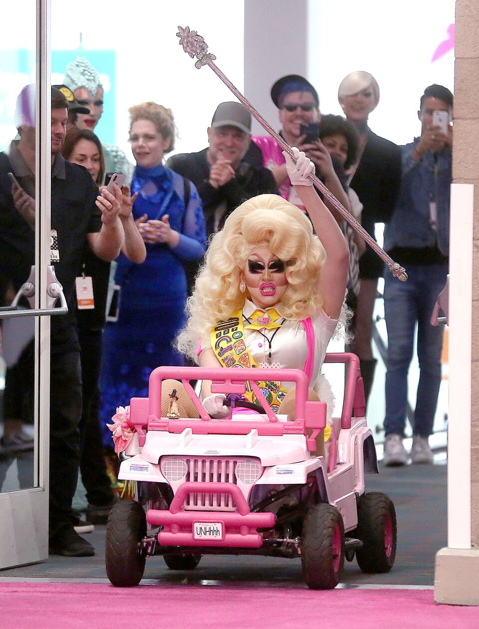 TrixieMattel_Arrival_3Dragcon_05122018_52_preview.jpeg