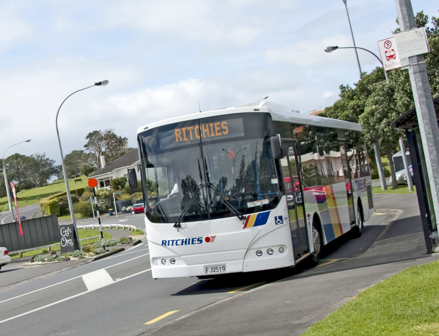 Ritchies bus at bus stop.jpg