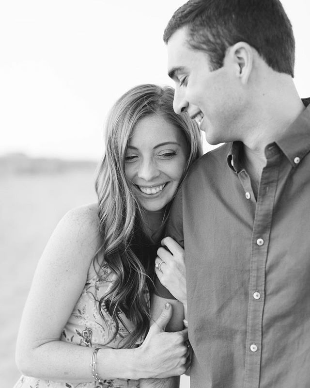 You may recognize these two ❤️ They are no strangers to my camera and I love each and every session we do together. We got together again this summer for a 1st anniversary session, which they chose as their gift to each other for the paper anniversary. Prints and photographs are such a thoughtful way to celebrate that first year as husband and wife! ✨