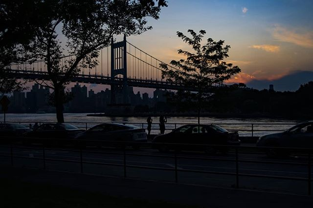 Another day another sunset . . .  #newyorkcity #sunset #astoriapark #queens #sonya6300 #mirrorless #theimaged #artofvisuals