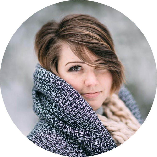 Cassandra Zetta Headshot