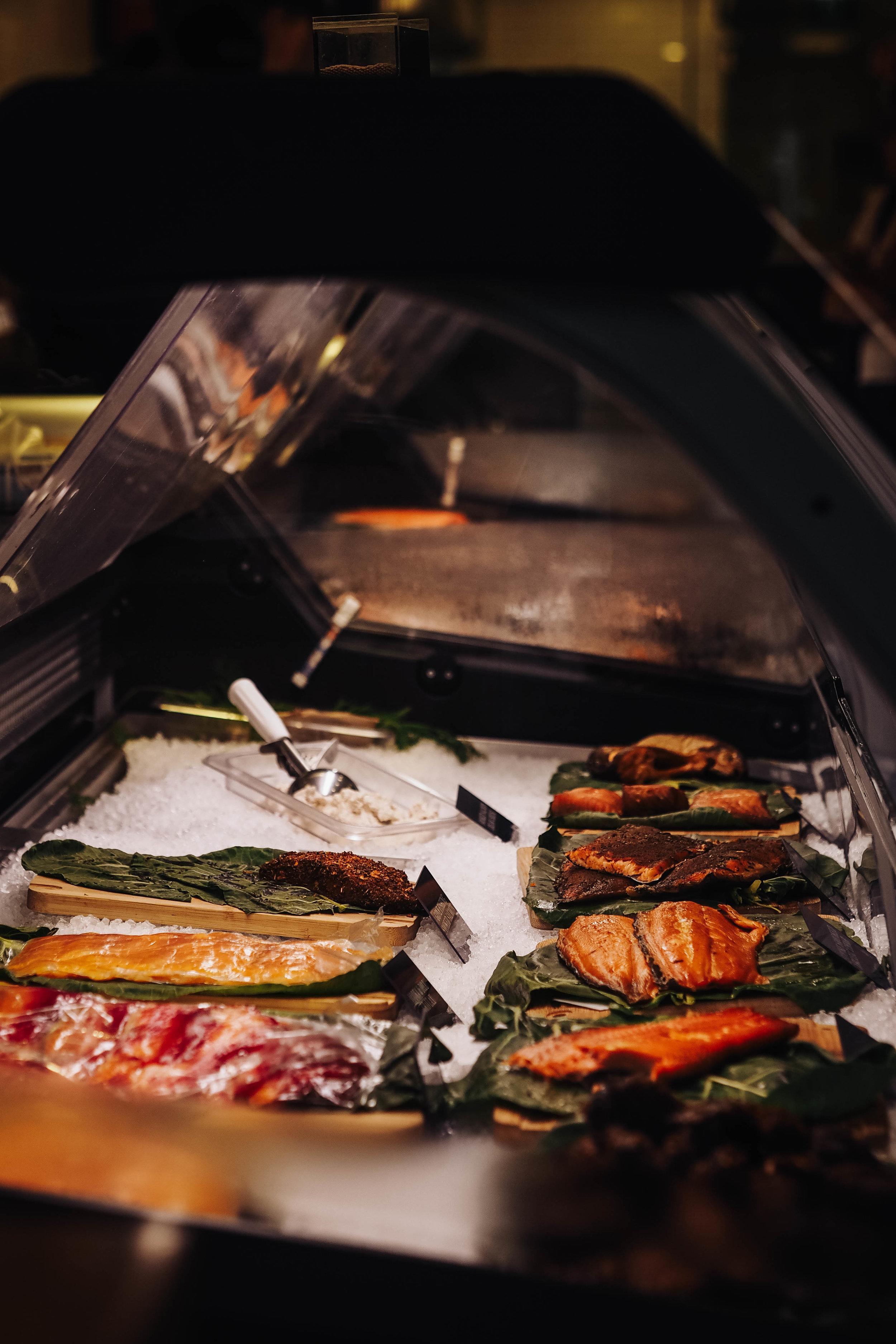 De La Mer Fresh Fish Market Toronto