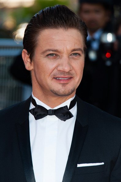 0048_Jeremy Renner Immigrant Premieres Cannes 8vMa5NYNRf5l.jpg